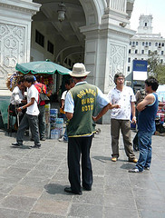 Street currency changers in Lima, Peru (picture by morrissey)