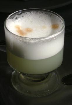 Peruvian Pisco Sour (picture by Dtarazona)